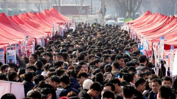 據日媒整理報導指出,中美貿易戰已讓超過500萬間中國企業倒閉,且造成1千萬名失業人口。(路透資料照)