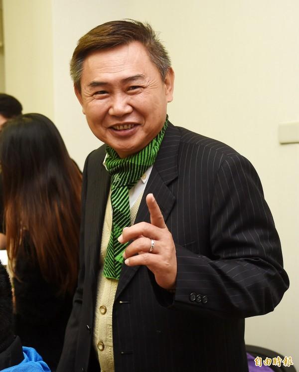 民進黨前副秘書長李俊毅宣布投入台南第二選區立委補選。(記者黃耀徵攝)