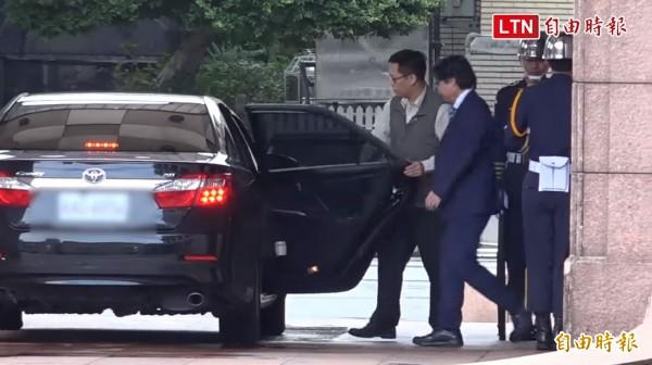 行政院長賴清德今中午約見葉俊榮,兩人對話結束,葉俊榮離開政院,行政院下午5點將對外說明。(自由影音)