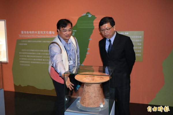 南科考古館館藏豐富的出土史前文化,為南台灣第一座考古專業博物館。(記者萬于甄攝)