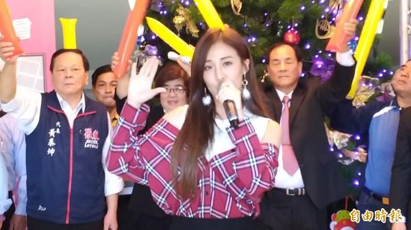 歌手米亞若。(記者江志雄攝)
