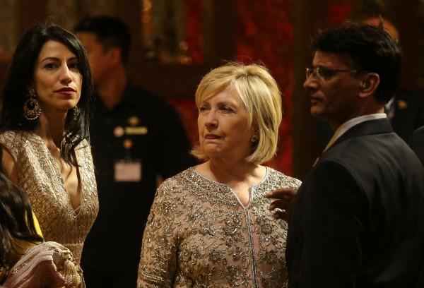 曾擔任聯邦參議員及國務卿的希拉蕊(Hillary Clinton)過去22度榮登榜首,包括蟬聯17年最受美國人景仰女性的頭銜,但今年被蜜雪兒終結此紀錄。(路透)