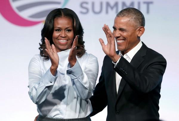 根據蓋洛普(Gallup)今天公布的民調,美國前總統歐巴馬(Barack Obama)夫婦分別成為2018年最受美國人景仰的男女性。(法新社)