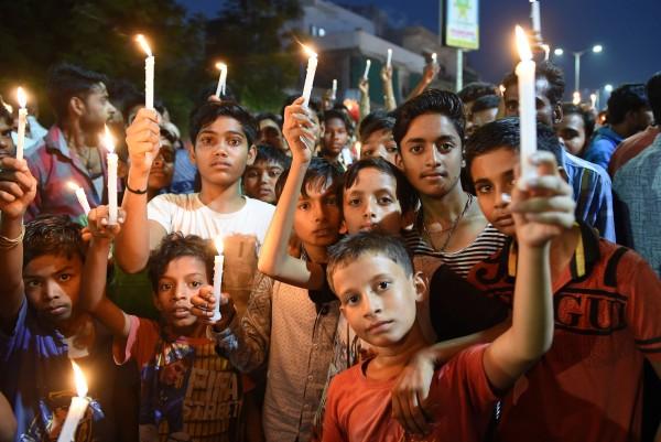 印度政府為遏止性侵,昨(28)日通過了「保護兒童免受性侵害法」(POCSO Act.)修正案,若性侵12歲以下孩童,將處以死刑或無期徒刑。(法新社)