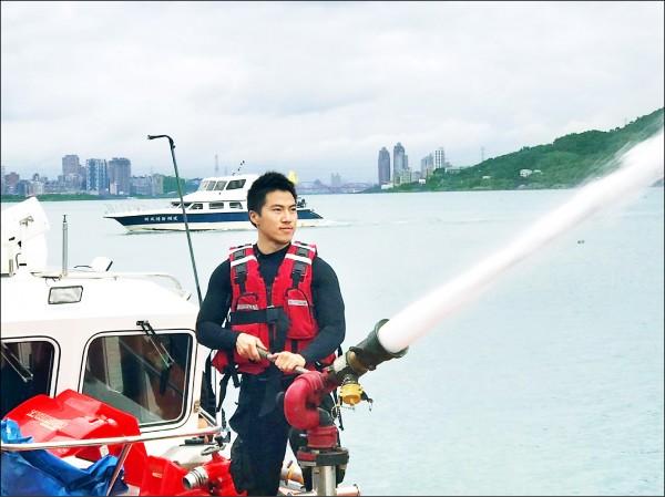 猛肌消防男 投入全台唯一救溺分隊