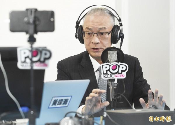 國民黨主席吳敦義到電台接受專訪,針對與高雄市長韓國瑜的關係、蔡總統元旦談話、兩岸關係與2020總統大選等議題進行回應。(記者陳志曲攝)