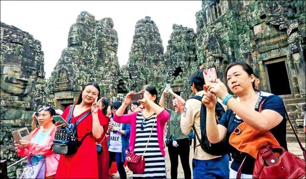 中國觀光團前往柬埔寨旅遊的人數,近年來大幅成長。(取自網路)