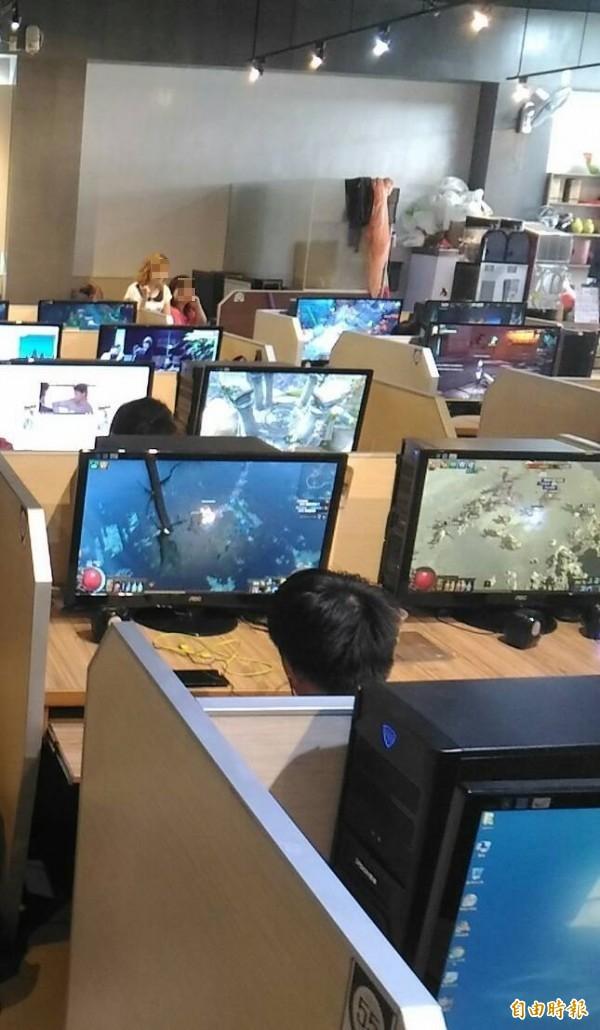 37歲男子阿昌終日沉迷網路遊戲不工作自力更生,被父親提告訴請搬離家裡獲准。示意圖,圖中人物與本新聞內容無關。(記者王俊忠攝)