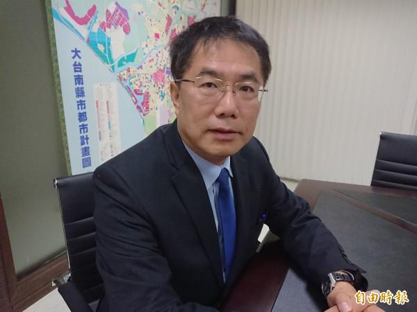 台南市政府對陳致曉提告,台南市長黃偉哲表示,依法辦理。(記者洪瑞琴攝)
