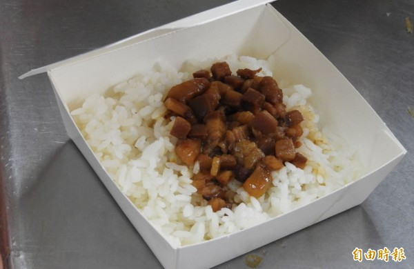 專家表示,人吃了染豬瘟病毒的肉,也會被腸胃道酵素消化,病毒不會從人的糞便排出,導致水或食物受到污染,也不會因此讓病毒擴散。(資料照)