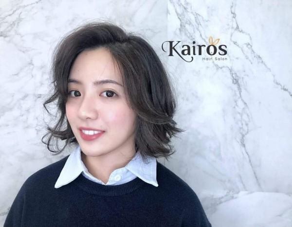 學姊黃瀞瑩昨天染髮改變新造型,讓男網友大呼戀愛了。(圖擷取自臉書「學姊加油-黃瀞瑩粉絲團」)