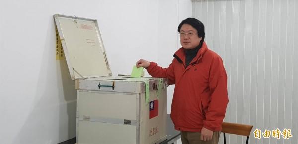 民進黨代理黨主席林右昌表示,習近平談話證實沒有「一個中國各自表述」的九二共識,要國民黨不要再自欺欺人。(記者俞肇福攝)