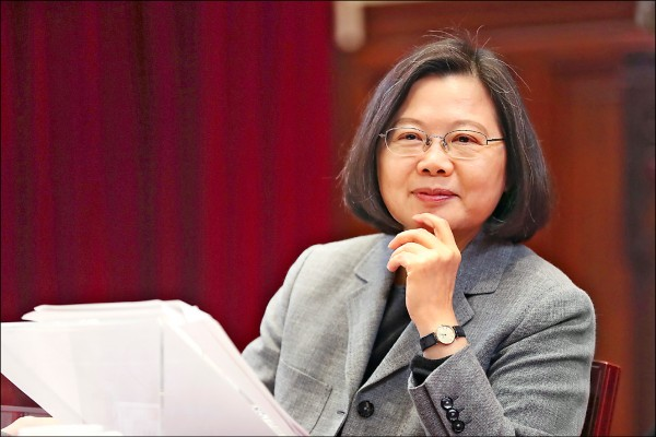 總統蔡英文昨日與外國媒體茶敘強調,她期待台灣所有政黨,都應清楚說出「我們拒絕一國兩制」,也不要再講「九二共識」。(歐新社)