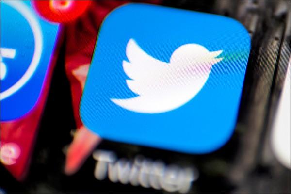 中國政府開始對使用「推特」的中國民眾嚴加審查,甚至傳出會侵入民眾帳號刪文,甚至駭竊維權人士帳號,發表使其被定罪的敏感內容。(美聯社檔案照)