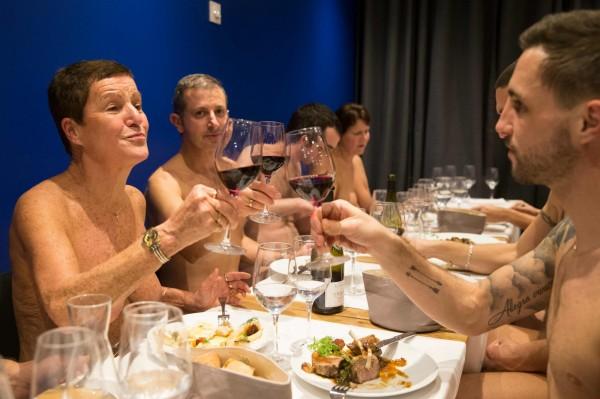 法國首都巴黎唯一裸體餐廳「O'Naturel」,在2017年11月風光開幕後,現在因缺乏客人上門,將被迫關門大吉。(法新社)