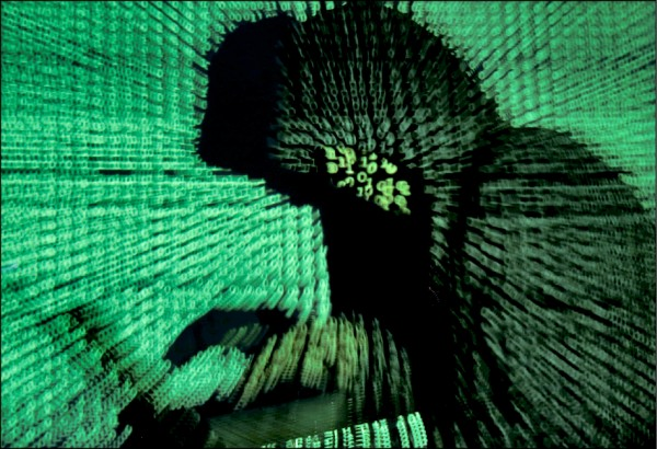 美防堵魚叉式網路釣魚、商業間諜等諸多竊取智慧財產的行徑。(路透檔案照)