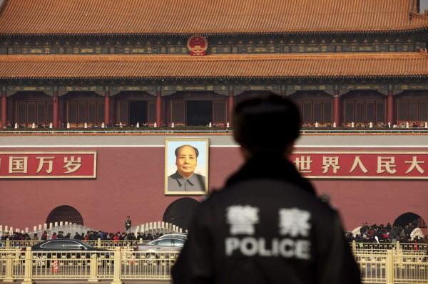 由於槍枝犯罪率大幅降低,中國聲稱自己是世界上最安全的國家之一,但犯罪學專家出面打臉,直指在中國各級地方政府裡,官員更改罪案數量的狀況相當常見。(彭博)