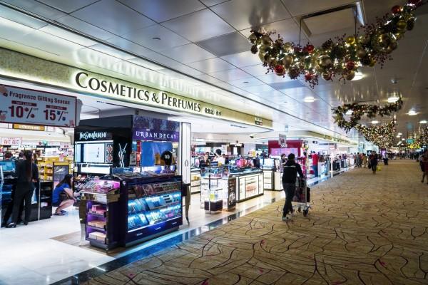 南韓免稅店銷售額未受薩德事件影響,去年銷售額突破新高。此為示意圖。(彭博)