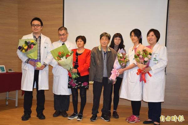 亞東醫院2018年1月成立「心臟電氣生理遠距醫療中心」,透過遠端監控及雲端資料傳輸,管理心臟病高風險族群。(亞東醫院提供)