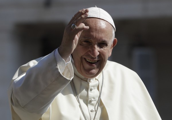 教宗方濟各接納中國官派主教,被視為對中國的退讓。(美聯社)