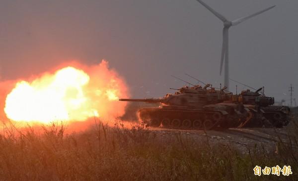 M60A3戰車進行火砲射擊。(記者廖振輝攝)