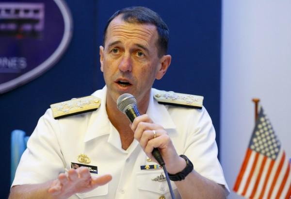 美國海軍上將、海軍作戰部長理察森(John M. Richardson)表示,派遣航母航行台灣海峽仍然是美軍選擇之一。(美聯社)