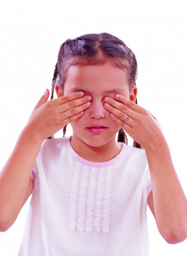 根據衛福部委外研究顯示,「未滿25歲」即當父母者是重大兒虐的主要施暴群,被施虐者則以6歲以下兒童為高風險族群。示意圖。(情境照)