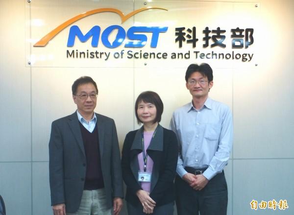 中研院社會所研究員傅仰止(左)、副研究員林宗弘(右)(記者簡惠茹攝)