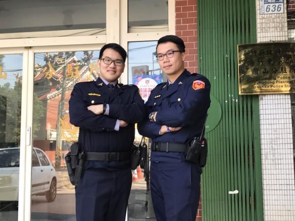 新竹縣竹東警分局寶山分駐所警員柯侑承(左)、柯侑廷(右)是親兄弟,2人分發到同單位服務,相當幸運。(圖由警方提供)