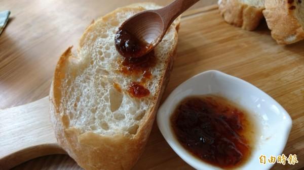 手作麵包與部落果醬的美好相聚。(記者劉婉君攝)