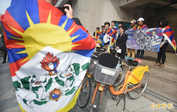 西藏台灣人權連線23日發起「2019為西藏自由而騎」活動。(記者廖振輝攝)