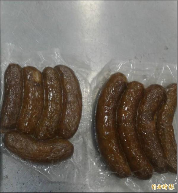 小港機場傳出有海關X光人員在發現旅客攜帶中國豬肉製品後,檢疫官卻叫該旅客趕緊填申報單,以規避受罰情形。示意圖為中國豬肉腸。(資料照)