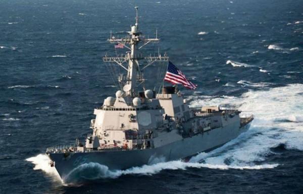 美國海軍24日派「麥康貝爾號(USS McCampbell)」和「華特狄爾號(USNS Walter S. Diehl)」等2艘船艦穿越台灣海峽。圖為美軍「麥康貝爾號」。(圖擷取自臉書)
