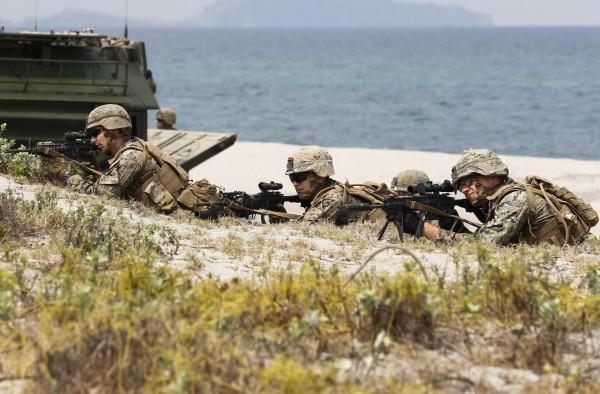 中國在南海和台灣周邊地區的軍事活動增加,美軍正在調整戰略構想,應對來自中國的威脅。(歐新社資料照)