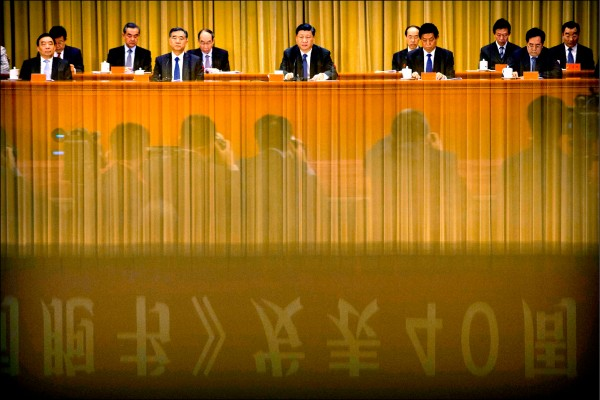 中研院社會所副研究員吳介民昨表示,中國當今面臨內外嚴重危機,習近平此時提出「習五條」有轉移內部問題、安撫社會不滿情緒的意味。(法新社檔案照)