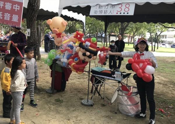今年參與竹市街頭藝人徵選者相當踴躍。(記者蔡彰盛翻攝)