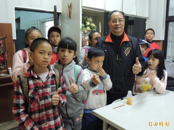 寒溪天主堂也是當地泰雅族小朋友的課輔據點。(記者江志雄攝)