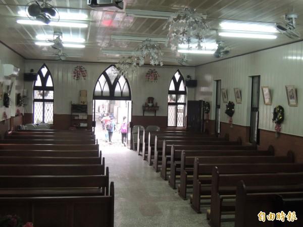 教堂是寒溪村民作彌撒的場所。(記者江志雄攝)