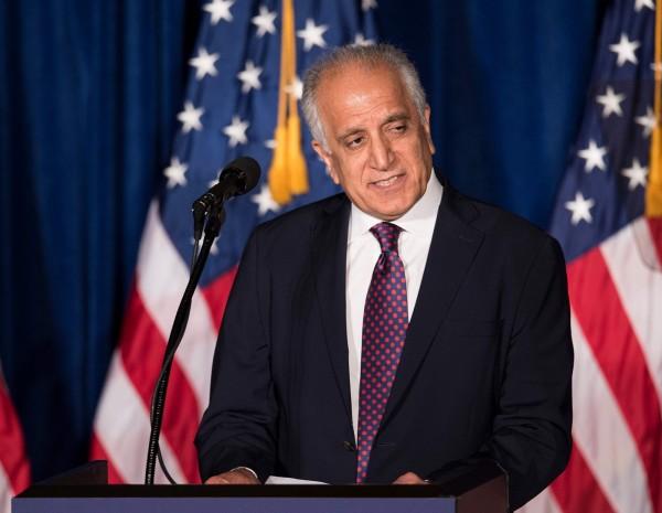 美國駐阿富汗特使哈里札德(見圖)在1月21日與塔利班代表在卡達首都杜哈(Doha)進行為期6天的談判;雙方都對這次談判相當樂觀,會中許多爭議也都有望達成共識。(法新社)