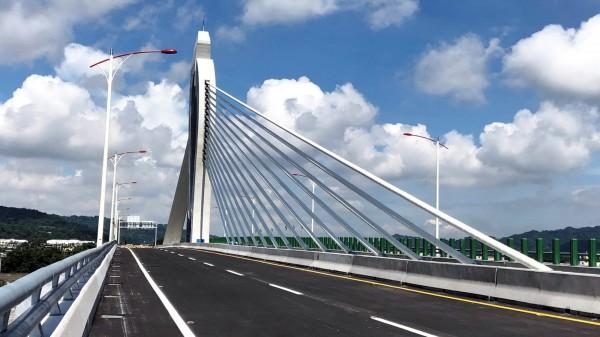 東豐快速道路第4、5標工程已完工,但尚未開放通車。 (記者張菁雅翻攝)