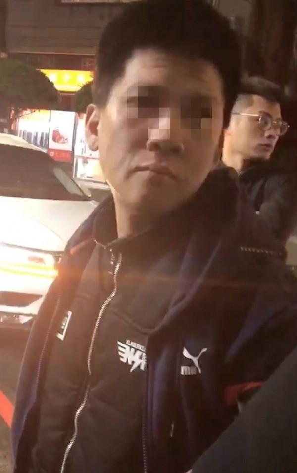 警方於永和區逮捕古姓嫌犯。(記者陳薏云翻攝)