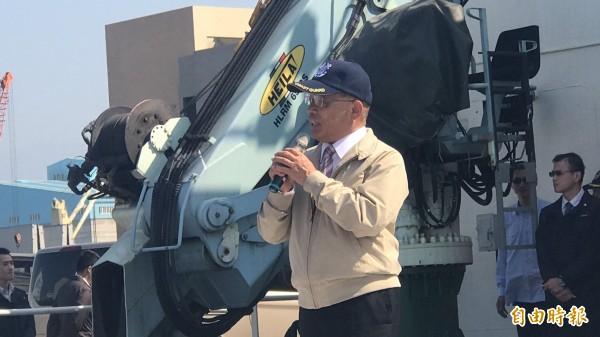 行政院長蘇貞昌視察台北港海巡基地,致詞鼓勵海巡人員辛勞。(記者王宣晴攝)