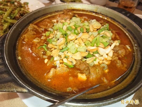 榮膳餐廳的牛肉豆花,這道料理很罕見。(記者洪瑞琴攝)