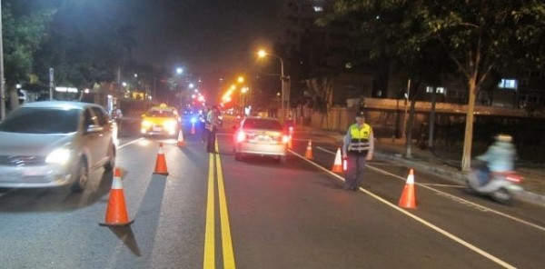 高市警方鎖定9條路段,加強取締酒駕。(記者陳文嬋翻攝)