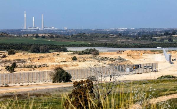 以色列計畫在加薩走廊建造長達65公里、高達6公尺的隔離牆。(法新社)