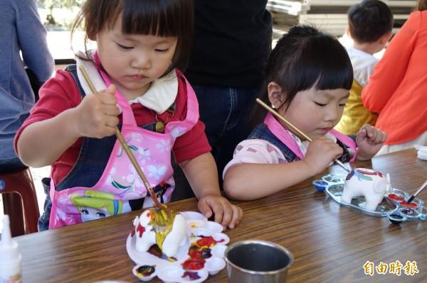 台中市傳統藝術節開幕,吸引許多民眾共襄盛舉。(記者黃鐘山攝)