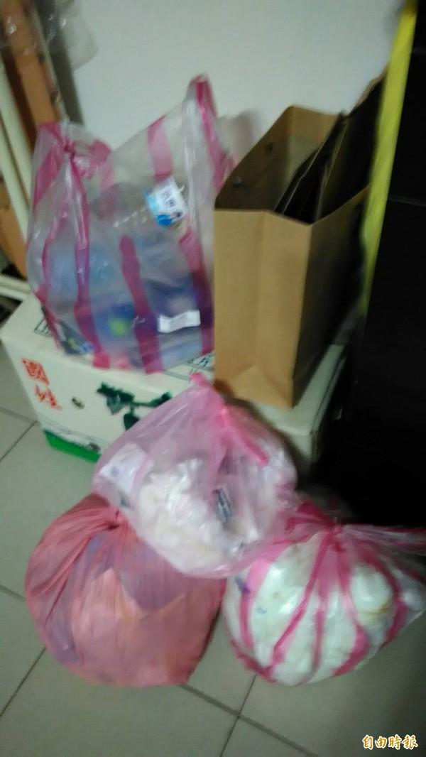 台北市明起開始收垃圾,民眾可清理這幾日家裡囤積的垃圾。(記者楊心慧攝)