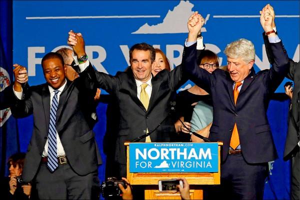 美國維吉尼亞州正、副州長諾森(中)、費爾法克斯(左)和檢察長赫林,近來相繼捲入醜聞。(路透檔案照)