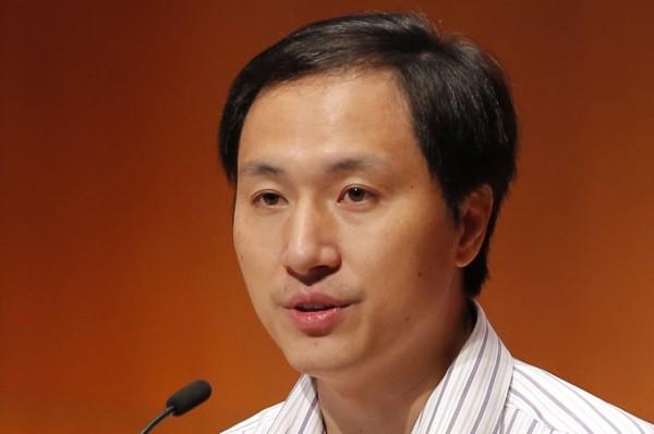 中國深圳南方科技大學原副教授賀建奎,去年傳出成功讓2名婦女懷上基因編輯胎兒,其中1人產下首例對愛滋免疫的雙胞胎,另1人仍懷胎中。(美聯社)