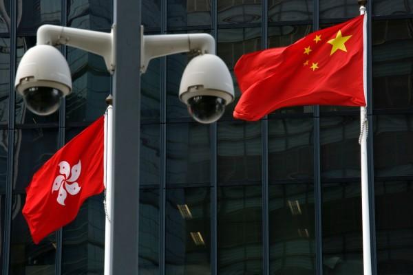 香港政府近日已啟動立法程序,將對不尊重中國國歌定為刑事案件。對此,外界認為中國想遏止香港人士的政治批評。(路透)